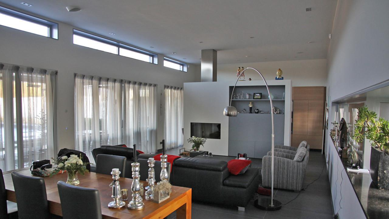Moderne bungalow met zwembad in eindhoven studio412 - Hoog plafond ...